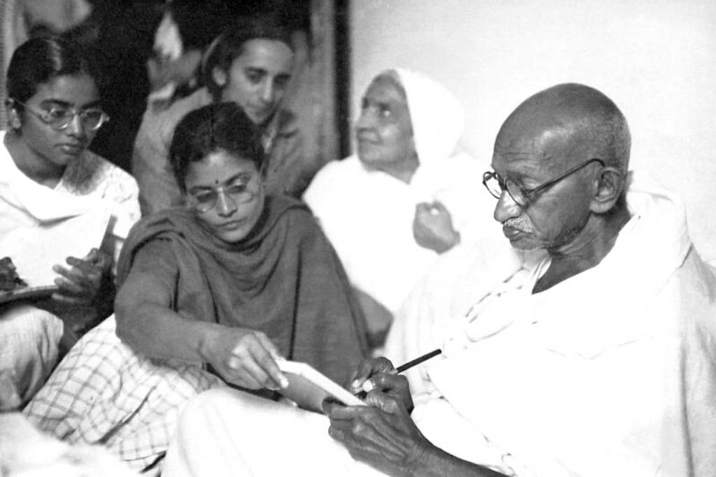 Mahatma Gandhi — The Gandhiwad On Women Empowerment!